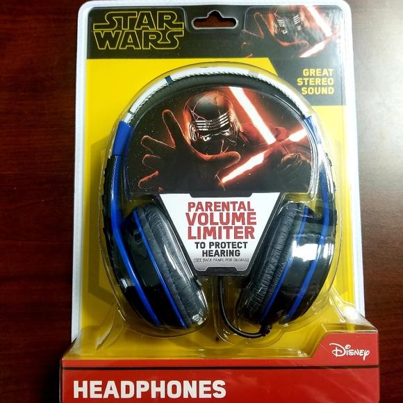 🔥NIB, Kids Disney Star Wars Head Phones
